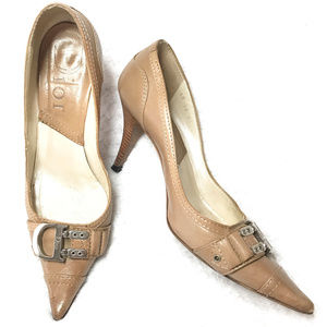 Auc vintage tan Christian Dior logo heels